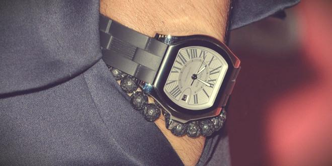 почему нельзя дарить часы парню