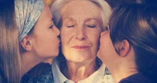 что подарить пожилым родственникам на новый год