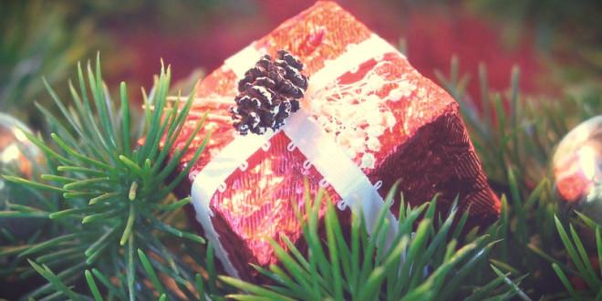 кто приносит подарки на новый год родители или дед мороз