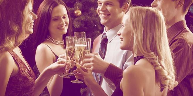 недорогие подарки коллегам на новый год 2016