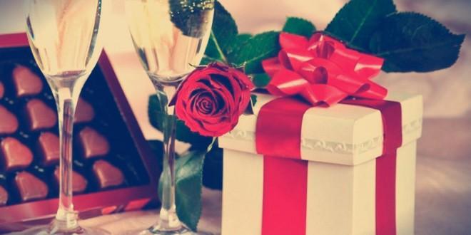как выбрать подарок женщине на 8 марта