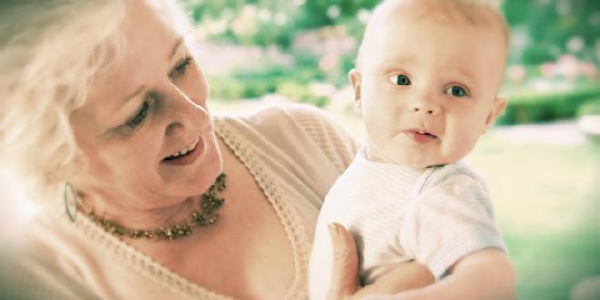 что принято дарить бабушке с рождением внука