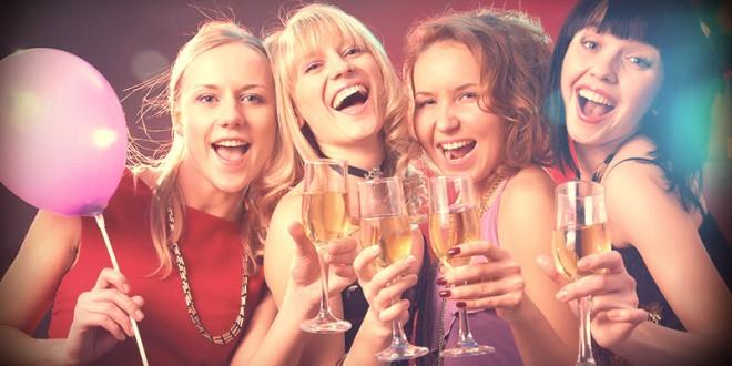 что подарить коллегам девушкам на новый год 2016