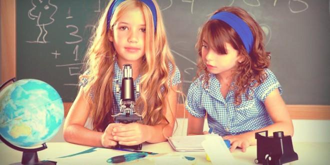 как поздравить девочек с 8 марта в школе